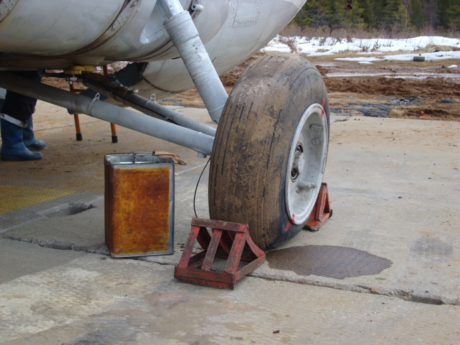 Hydraulic fluid is precious and can always be reused after leaking from the break lines